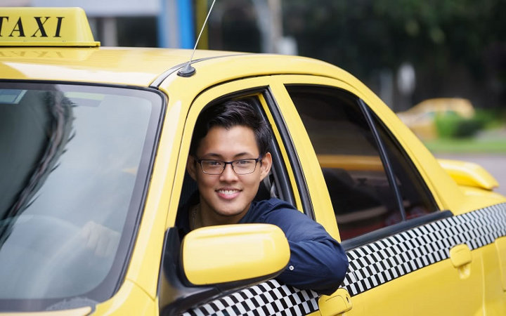Day taxi driver in 2021