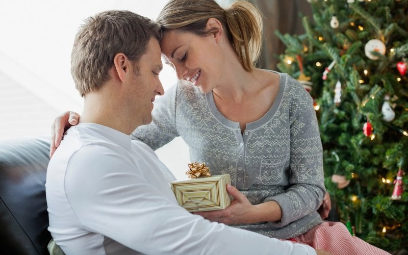 What to give your husband for the New year 2021 | gift ideas