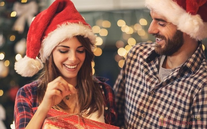 What to give your wife for the New year 2021 | gift ideas