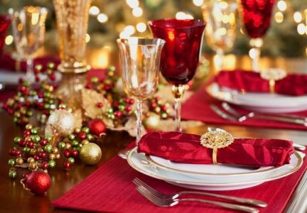 New year's table setting for the New year 2021: design, how to cover, photos