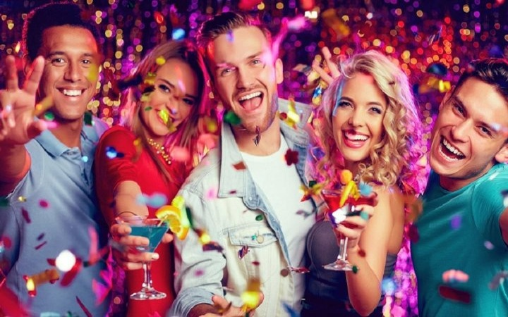 Toasts for the New year 2021 | new year, for corporate events